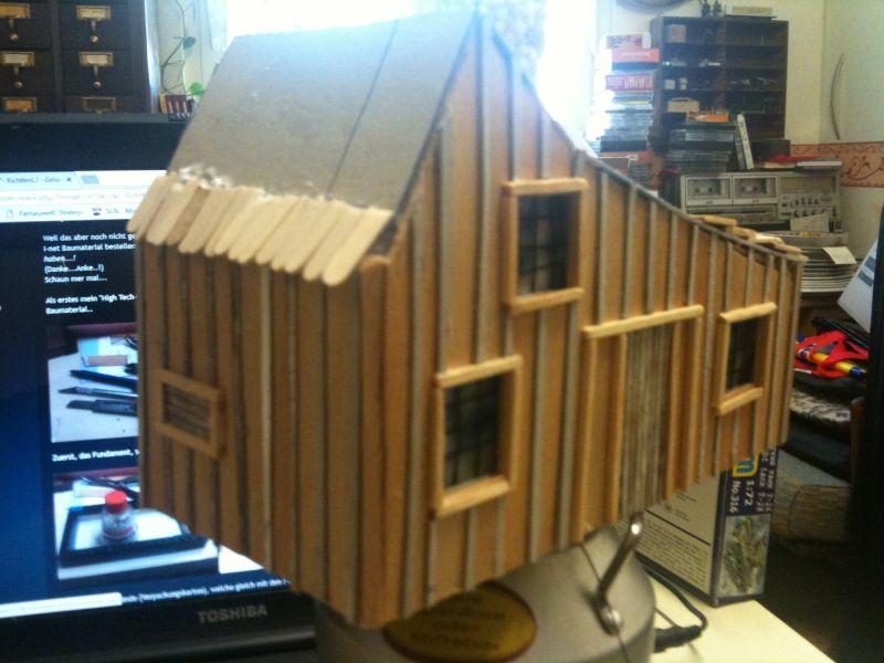 """Blick aus anderem Winkel auf das Haus der Familie Ingals aus der Serie """"Meine kleine Farm""""."""