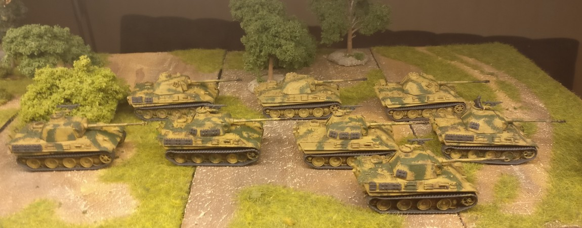 Acht Panter G aus dem Set Flames of War Panther G Platoon