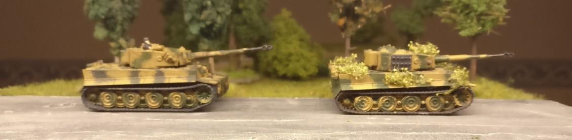 Und noch zwo Panzerkampfwagen VI Tiger I aus dem Set Flames of War Tiger 1 E Platoon
