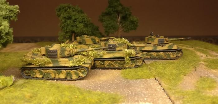 Vier wunderprächige Panzerkampfwagen VI Tiger I aus dem Set Flames of War Tiger 1 E Platoon