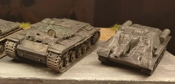 Ein Armoured tow tractor IS-2MT PST 72039. Und ein Pegasus SU-122, den der Doncolor übrig hatte.