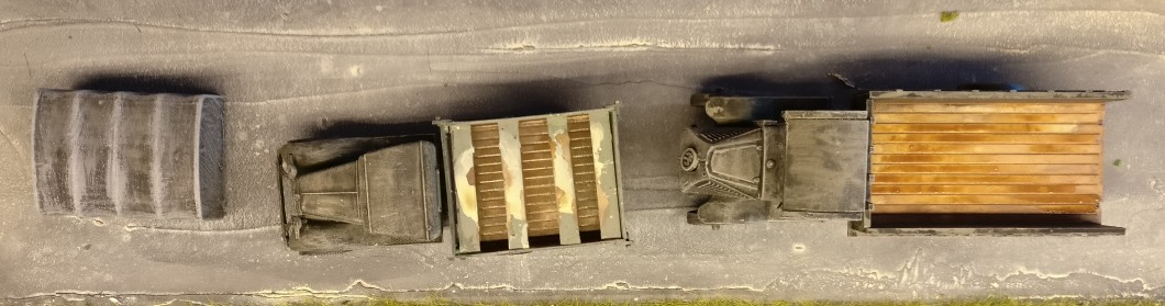 Der GAZ-MMM und der WK1-Truck vor der Behandlung.