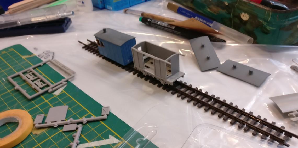 Britische Modellbausätze für 00/H0 Modellbahnen wurden ebenfalls montiert.