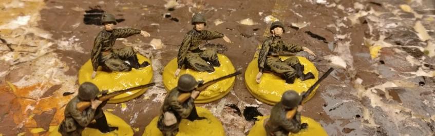 Den Snipern im Sumpf spendiere ich noch einen zweiten Mann als Beobachter, so dass das Team vollständig wird. Im Revell Set der Russian Infantry hat er vorher ein Maxim MG schleppen müssen.