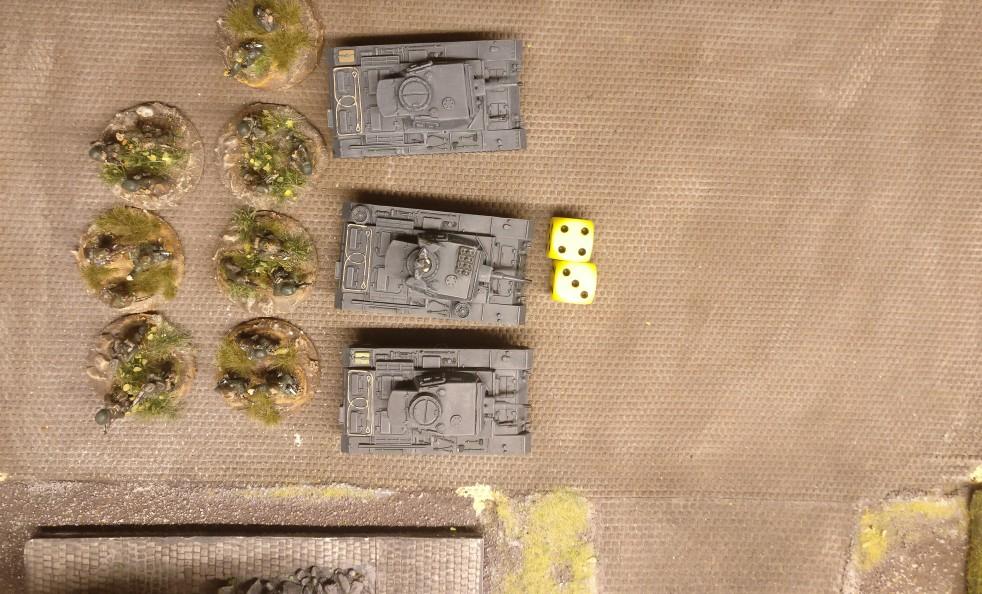 Der mittlere Panzer III hat den Auftrag, die Nebelwand zu legen.