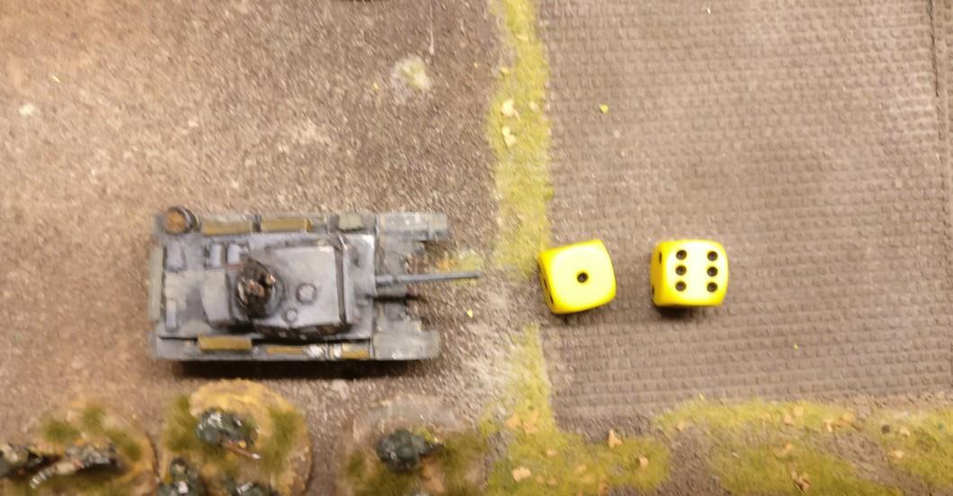Der zweite Flammpanzer III zieht nach. Mit 7 APs beginnt er seinen Angriff.