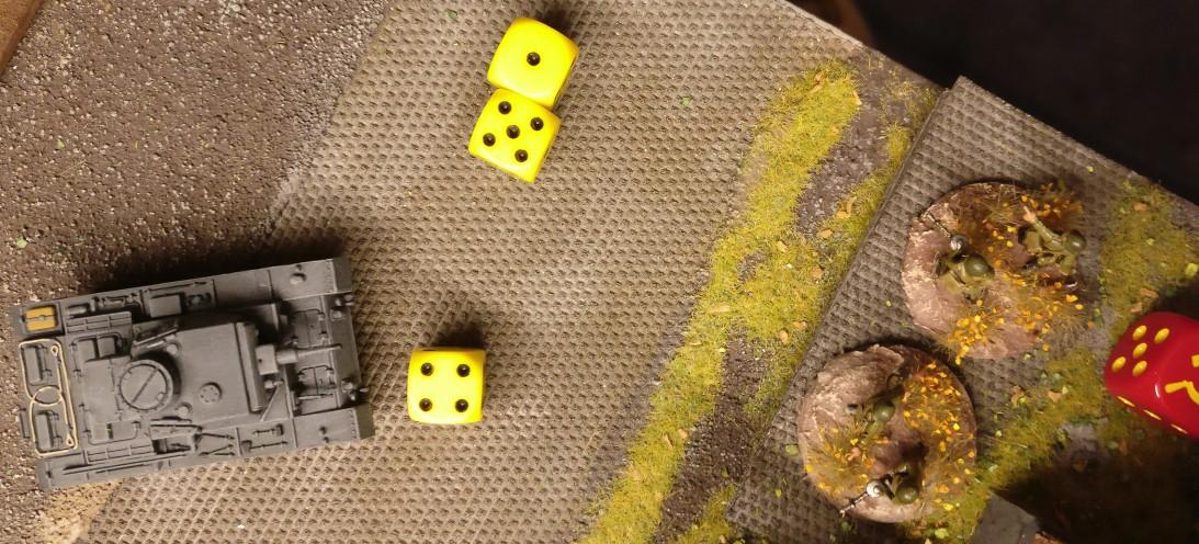 """Der Panzer III am Heizhaus vergeigt: keine """"6"""" in den beiden Trefferwürfen für das MG."""