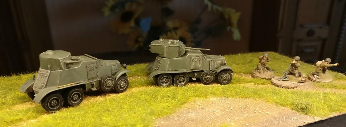 Hier sind beide Armored Cars BA-1/BA-6 zu sehen.