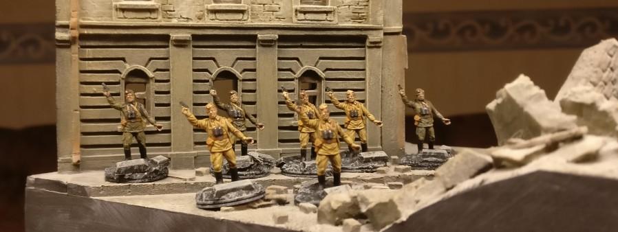 Das Offizierskorps der 10. NKWD Division erfuhr auch eine Verstärkung.