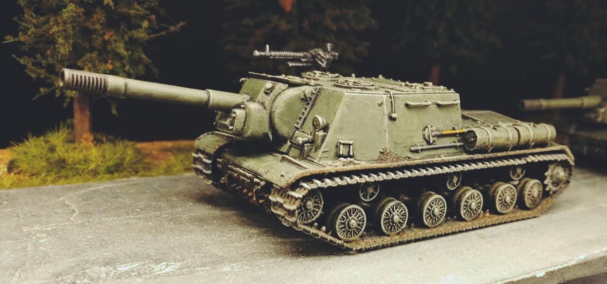 Das erste ISU 152 (Soviet Tank Destroyer ISU-152 Zvezda 5026)