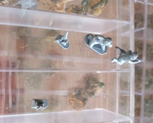 In der Steppe besitzt ein Mörserteam noch keinen 50mm-Mörser und ein Slot in der Armee sollte noch mit einem weiteren 50mm-Granatwerfer mit Team besetzt werden. Ideal! Hier kann Abhilfe geschaffen werden.
