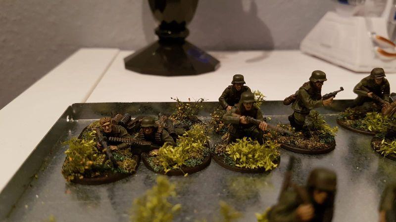 Den MG-Schützen ohne Kopfbedeckung fand ich sofort endgeil!