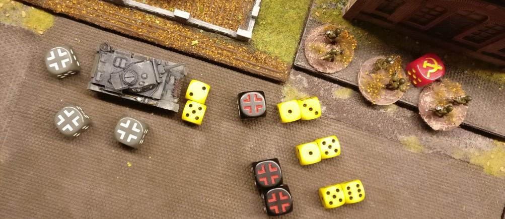 Der Flammpanzer III nutzt einmal seine Main Gun - den Flammenwerfer - und zweimal sein MG.