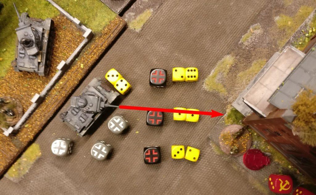 Auf dem rechte Angriffsflügel nehmen die beiden Flammpanzer III ihre Arbeit auf. Der erste Flammpanzer III erwürfelt 7 APs.
