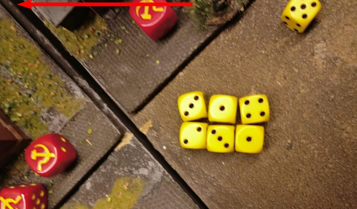 Mit sechs Trefferwürfeln halten die Panzergrenadiere auf die standhaften Rotarmisten.