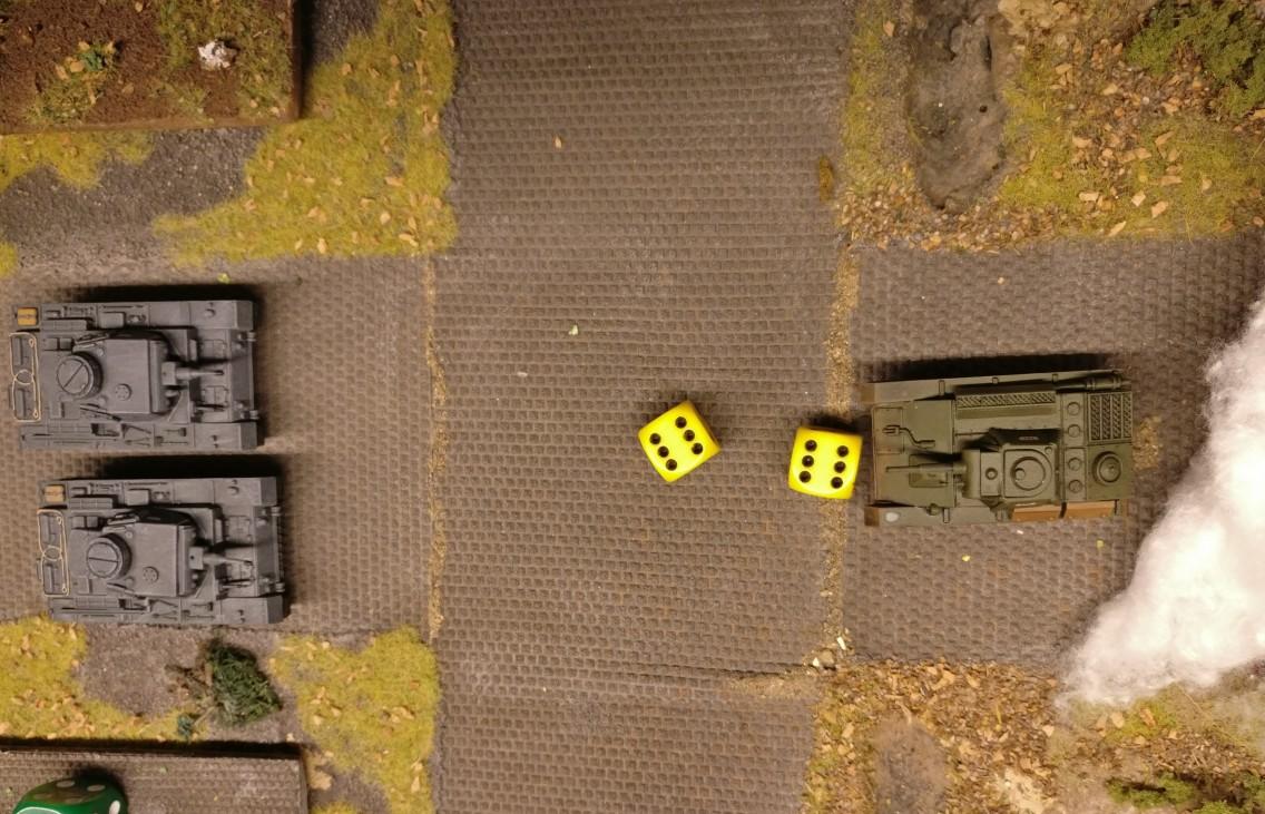 Der T-70 schießt für 4 AP mit der Hauptwaffe und würfelt: 12 Augen bedeutet einen Autowin!