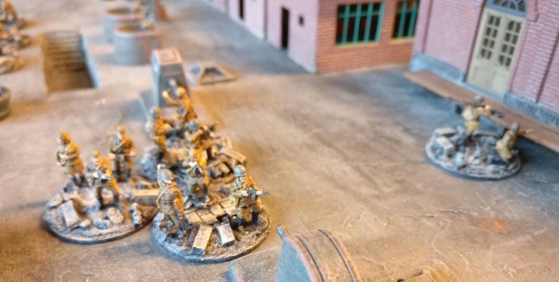 Für die zu erwartenden Nahkämpfe und Assaults wurde das Infantry Platoon mit SMG Groups ausgestattet.