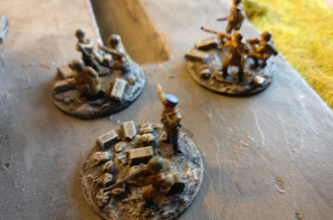 Der leichte Granatwerfer/Mortar und die SMG Group nebst Platoon Commander.