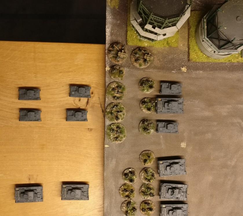 Die erste Welle des Panzerregiment 78: vier Panzer III und zwei Panzer II. Reserven stehen bereit: vier Panzer II und zwei Panzer III.