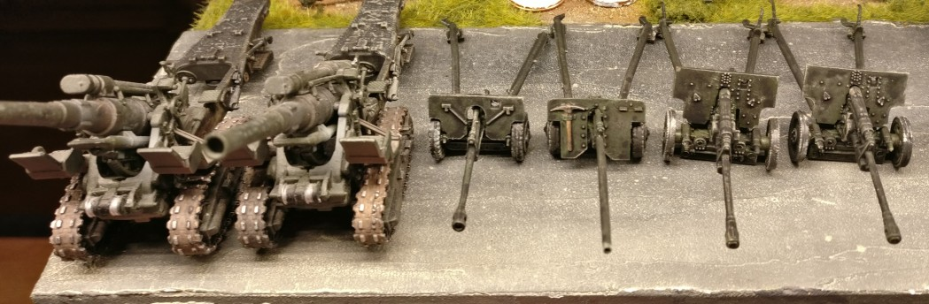 Die Geschütze nach dem  Trockenbürsten.