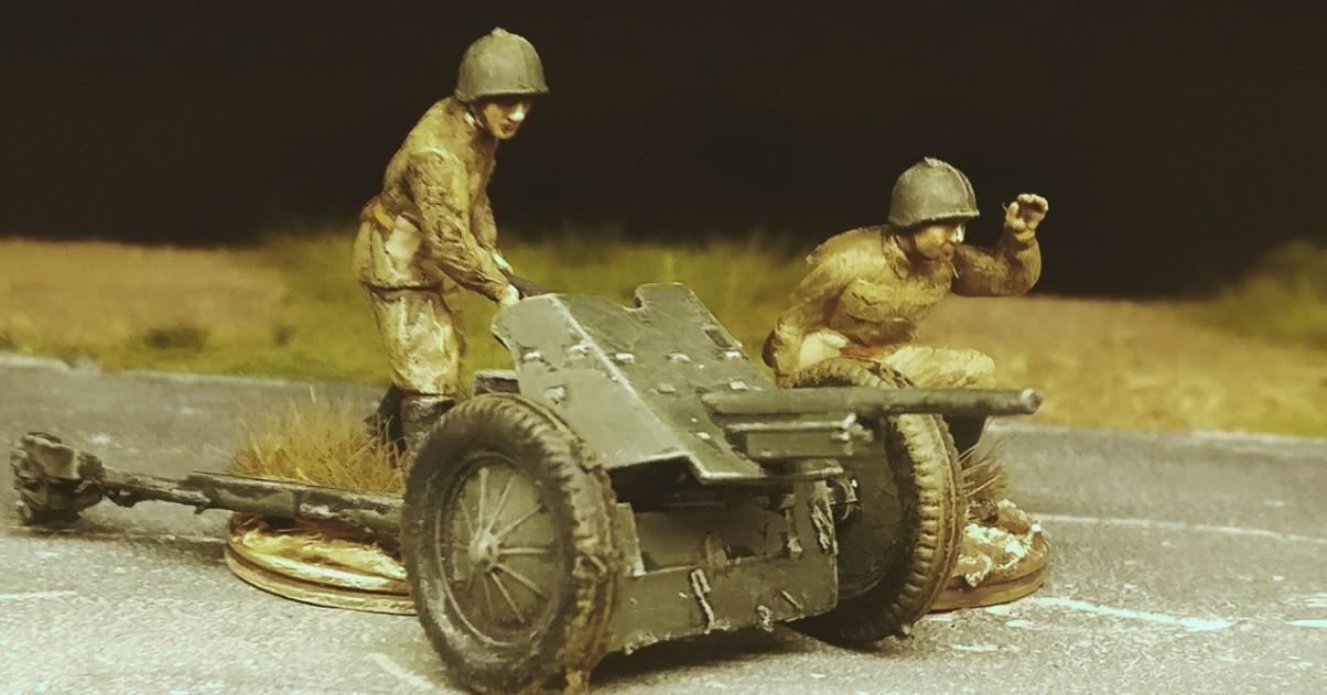 45-mm-Panzerabwehrkanone M1937 (53-K) mit 2-Mann-Bediener-Team