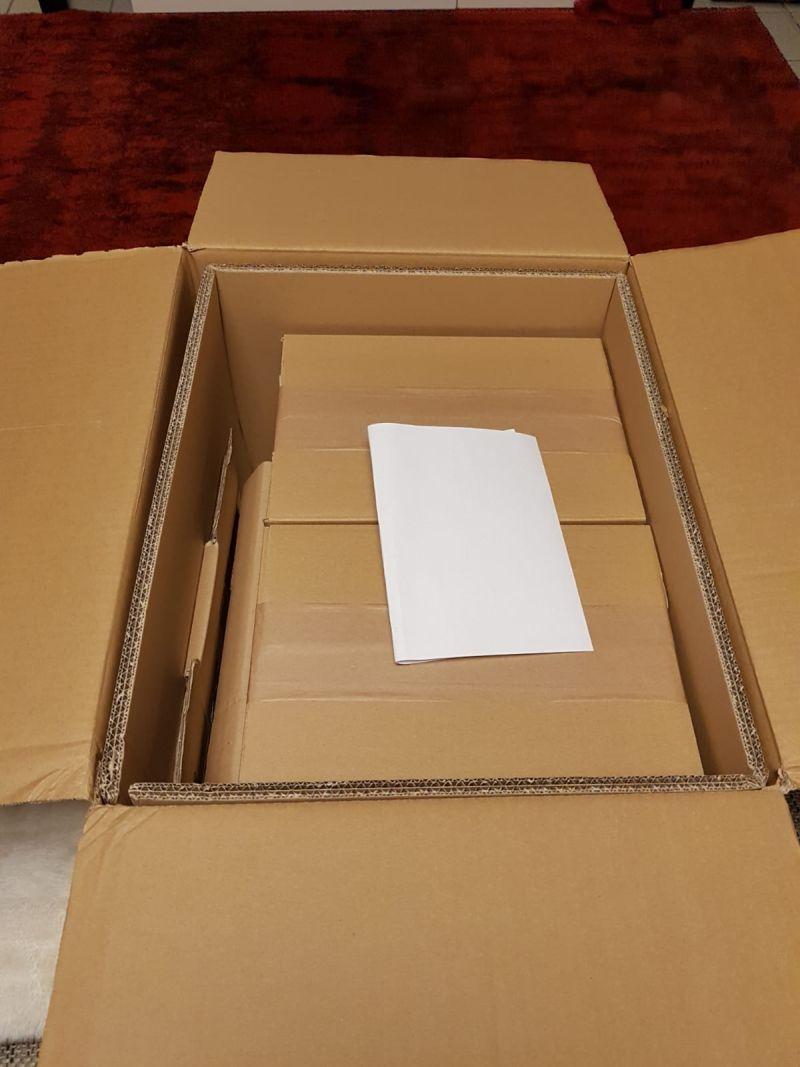 Gerade hat DHL die Kartons abgeladen. Die druckfrischen Exemplate von WW2 Kampfzone sind bei Udo Zipelius angekommen!