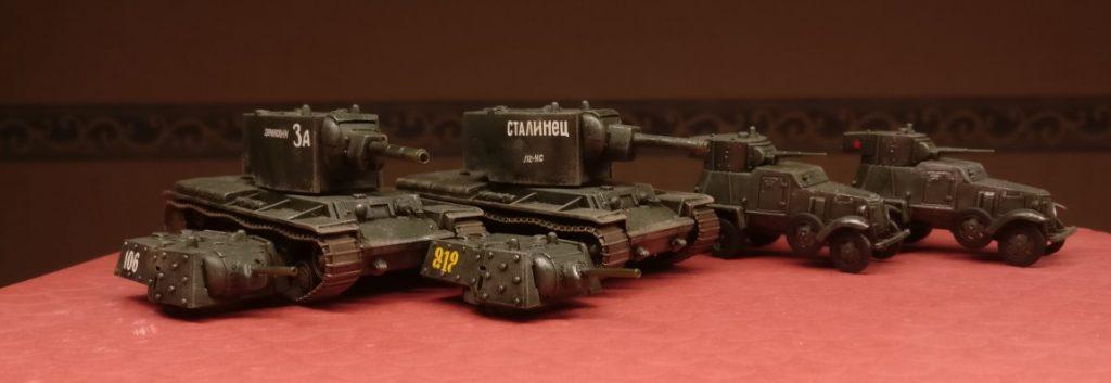 Die Early War Truppe des Sturmi hat auch Zulauf bekommen. Zwo kampferprobte BA-6 und zwo KV-II stießen hinzu.