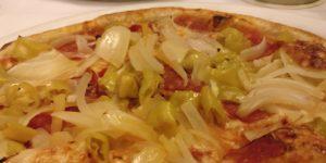 Die Pizza: der erprobte Klassiker bringt den  hungrigen Teilzeitgeneral wieder schnell zu Kräften.