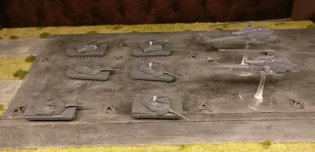 """Im Set Flames Of War Team Yankee """"Bannons-Boys"""" ist neben den sechs Panzern des M1 Abrams Platoon noch ein Pärchen Schraubhuber mit drin."""