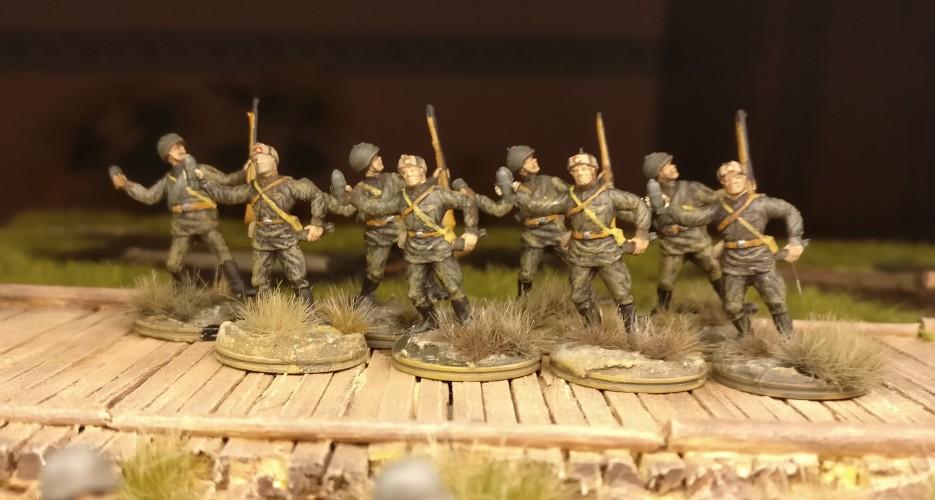 Die ESCI-Bediener und erste Schützen, ebenfalls von ESCI.
