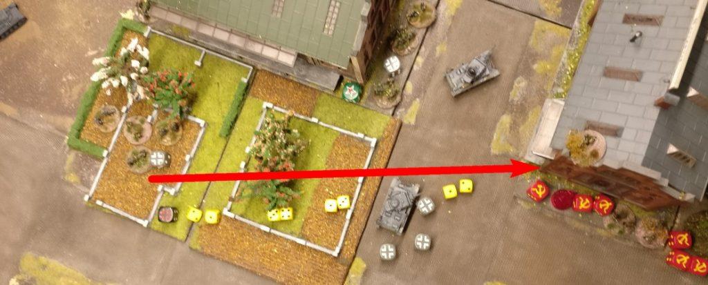 Im Obstgarten stehen auch noch Foot Groups, die sich das Lagerhaus vorknöpfen.