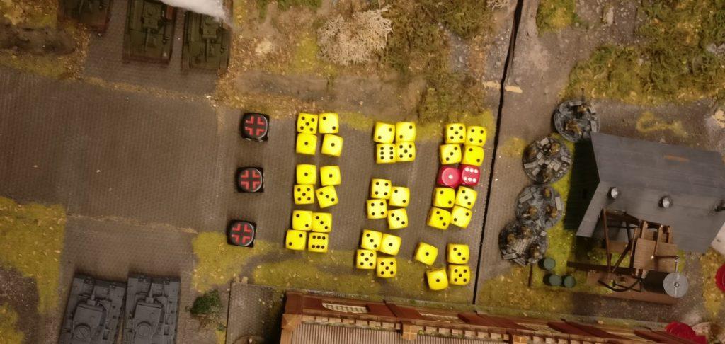 Das vorderste Square der Produktionshalle wird gestürmt. Von dort aus werden die Rotarmisten im Schuppen beschossen.