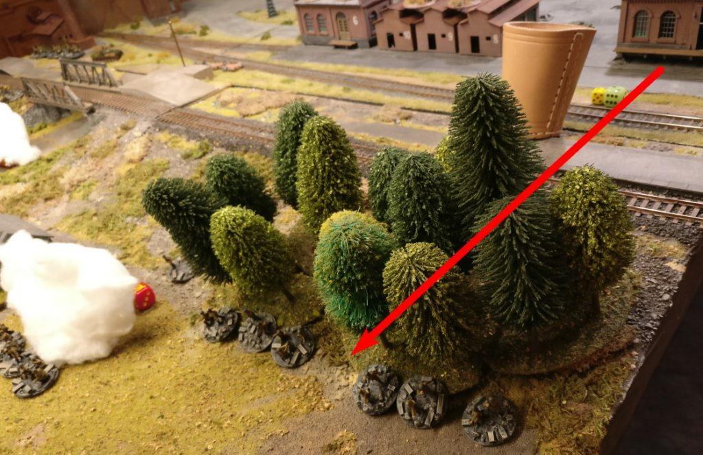 Mit ihren APs gelangt sie bis in dieses Waldstück jenseits des Bahndamms. In der nächsten Runde kann sie eingreifen.
