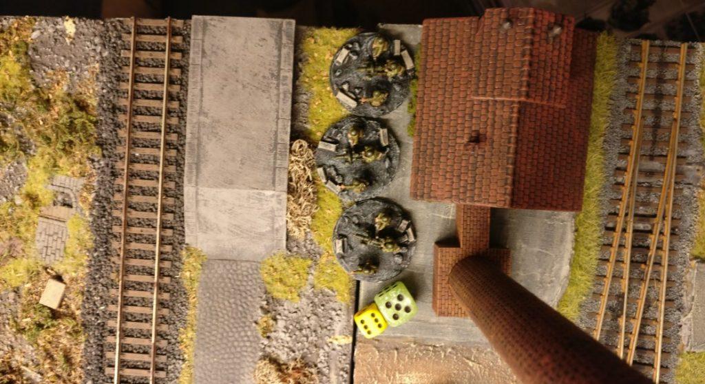 Am Heizhaus von Shturmigrad macht sich das HMG-Platoon bereit. 6 APs reicht für kräftig Feuer.