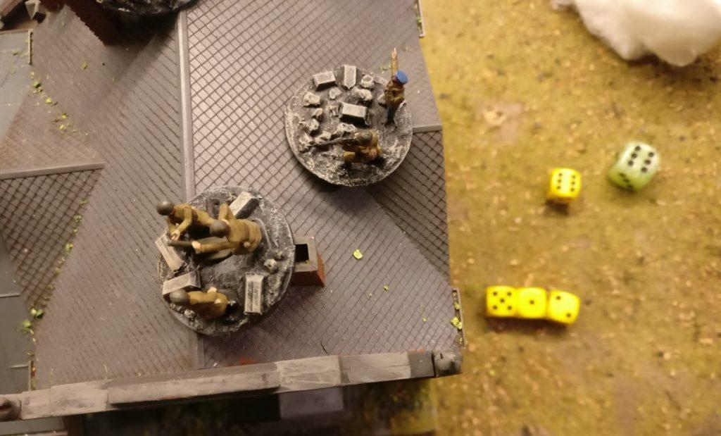 Der leichte Granatwerfer feuert 3x.