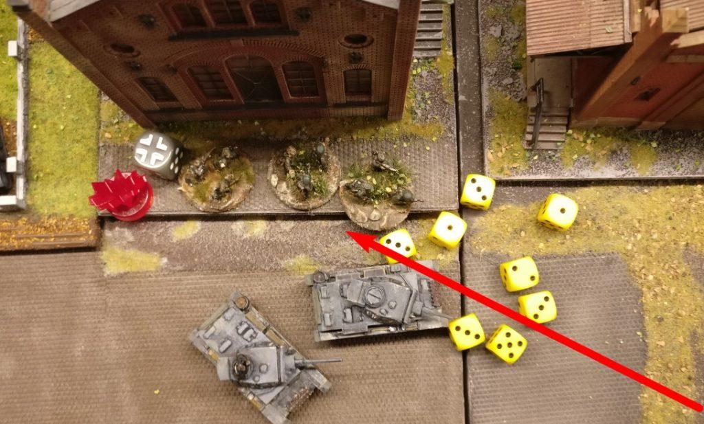 Es geht auf die Panzergrenadiere schräg gegenüber in der Produktionshalle. Kein Treffer!