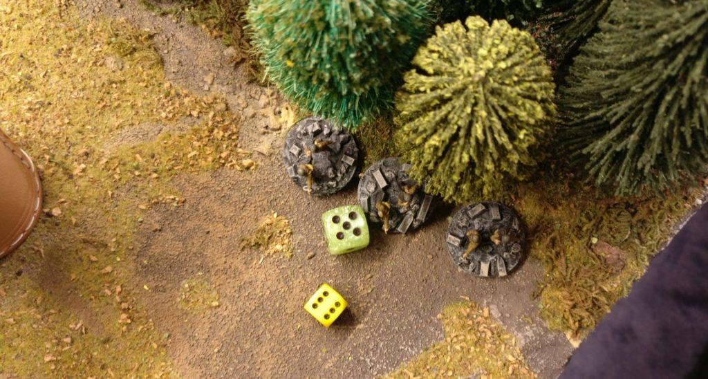 Am Wald setzt man sich in Bewegung. 6 APs geben Möglichkeiten.