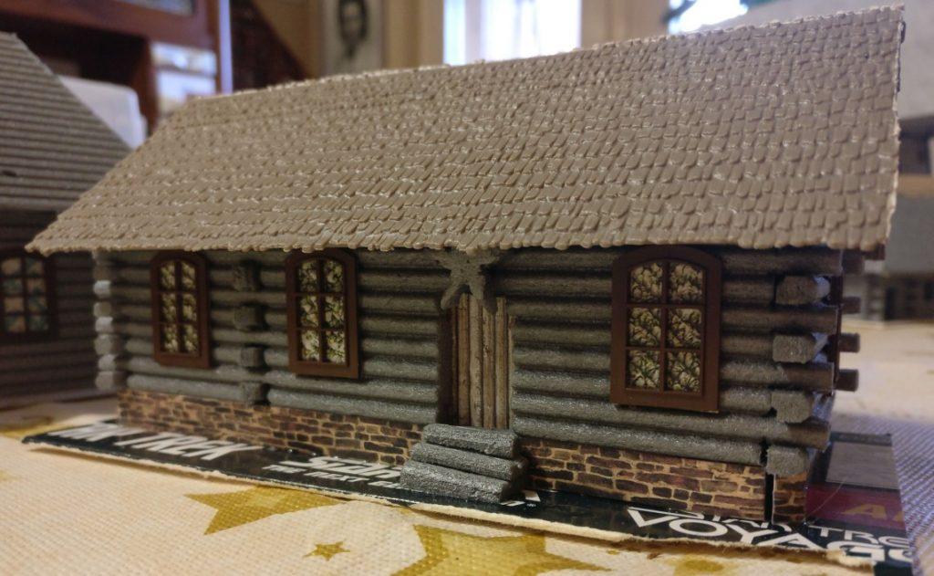 Man achte auf den gemauerten Sockel. Auch ein steinerner Sockel stand nicht jedem Dorfbewohner zu.