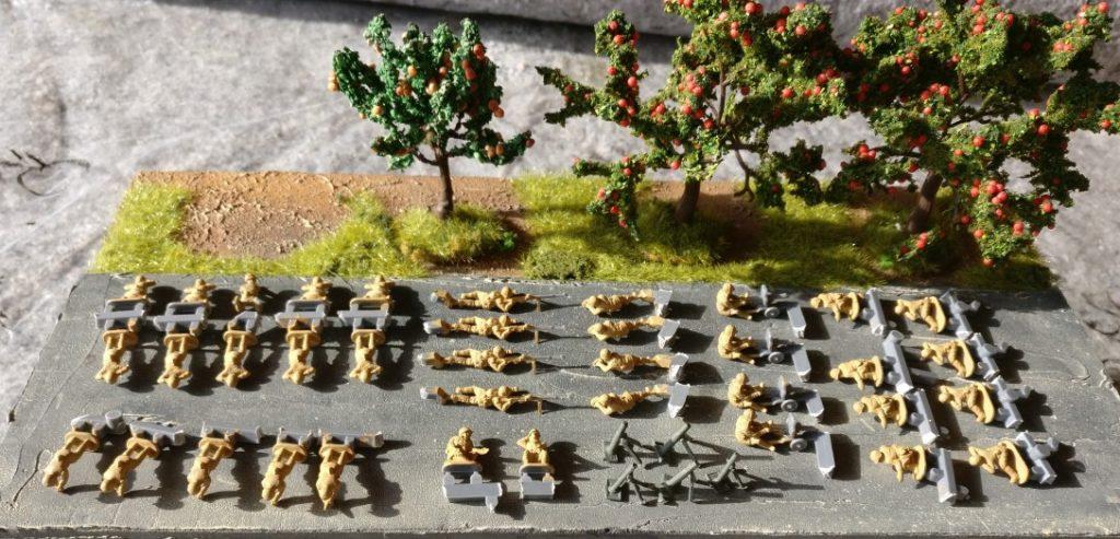 Resultat des ersten Bemalsprints. Granatwerfer und Bedienmannschaften, Maxim-HMGs und Panzerbüchsen-Teams sind grundiert.