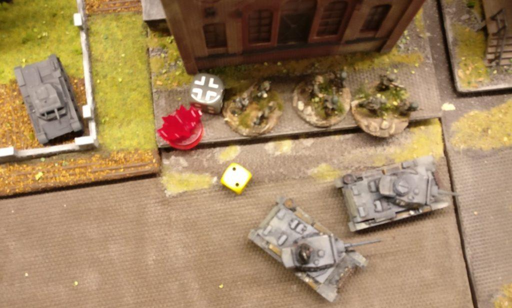 """Diese Foot Groups Panzergrenadiere würfeln ebenfalls mit einem Würfel den Moraltest. Auch die """"2"""" bedeutet """"bestanden""""."""