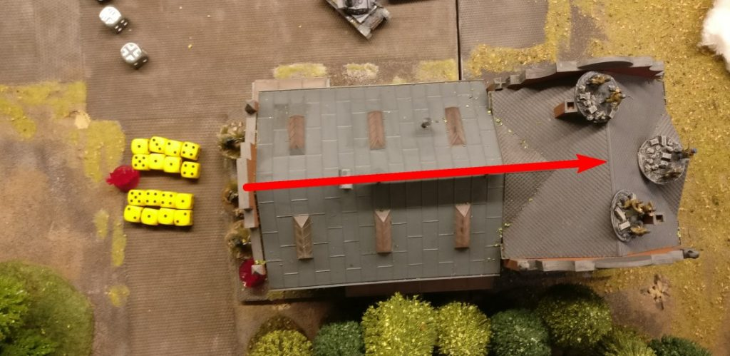 Jetzt nehmen die LMG die Rotarmisten im angrenzenden Square unter Feuer. 16 Trefferwürfel werden aus 3 APs herausgequetscht.