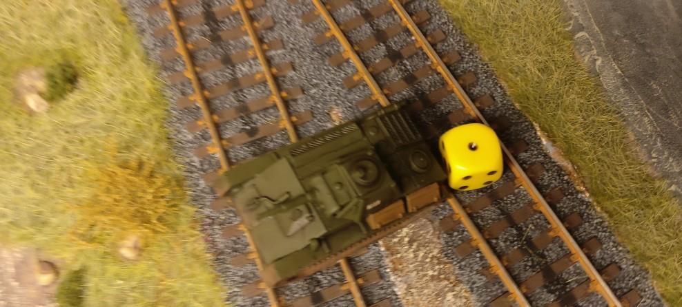 """Der T-70 hatte einen Schaden. Mit der """"5"""" (1 Fail) kommt ein zweiter Schaden dazu. Der T-70 würfelt eine """"1"""" - er wird von der Besatzung aufgegeben."""