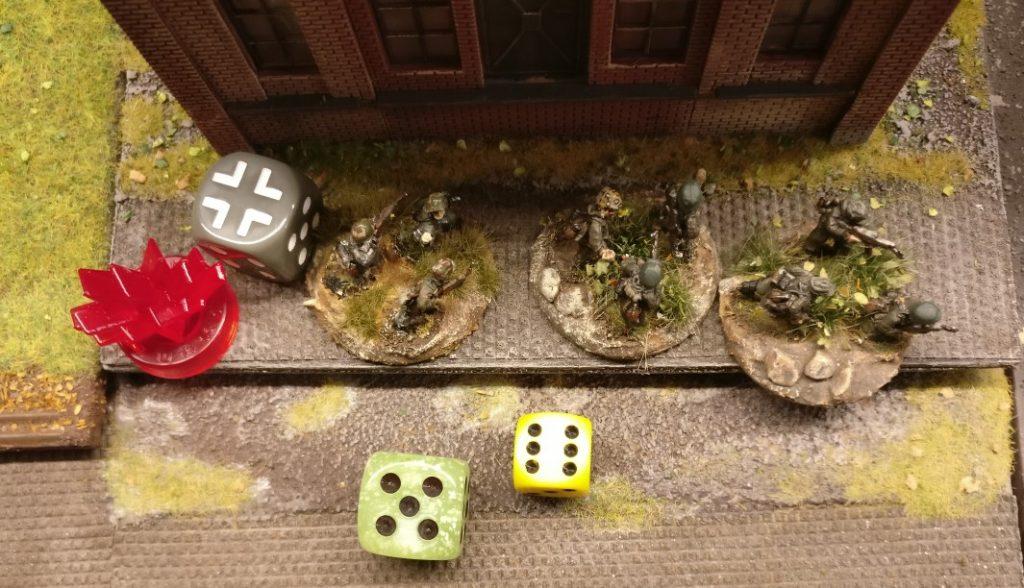 Diese Gruppe Panzergrenadiere ist nun nicht mehr durch das russische LMG blockiert. 6 APs stehen zur Verfügung.