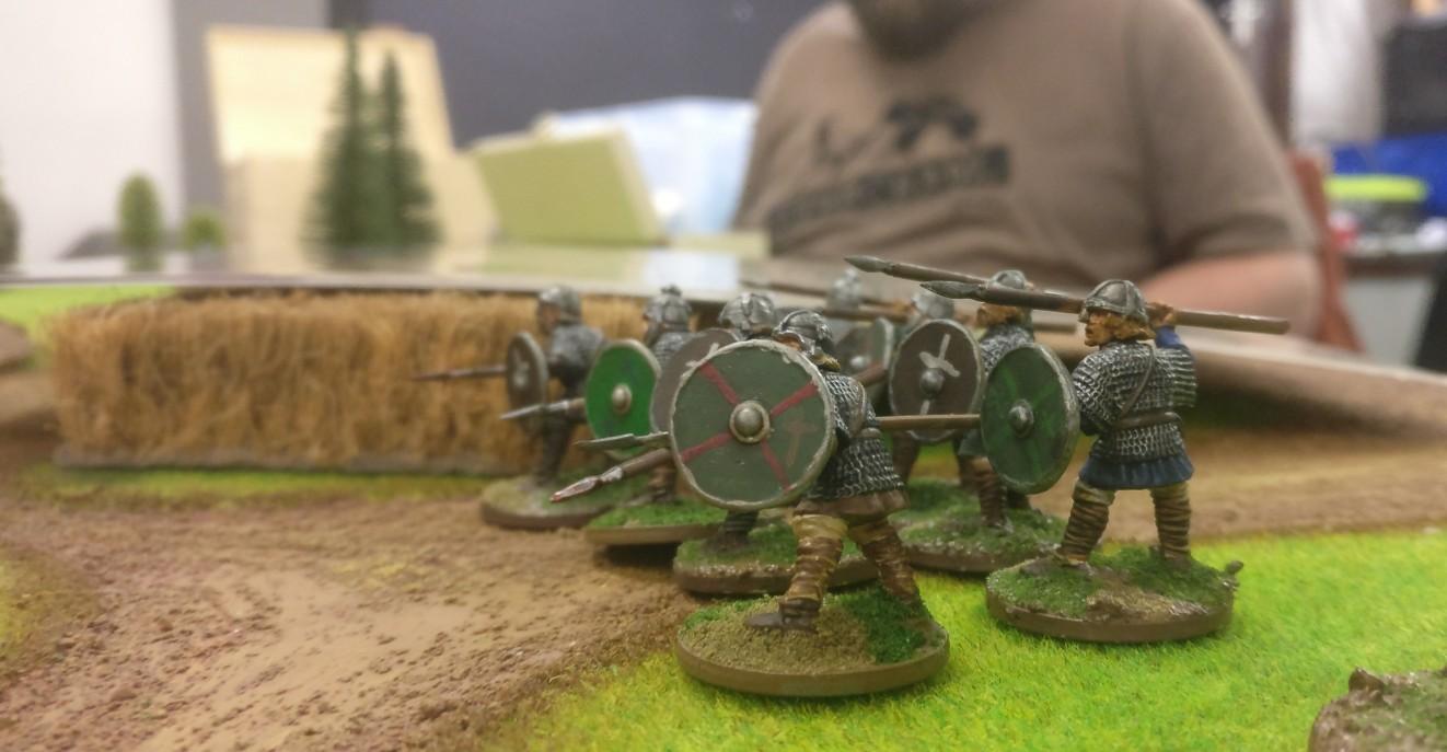 Die scheinbar identische Ausstattung der Armeen mit Figuren ist auf den ersten Blick verwirrend.