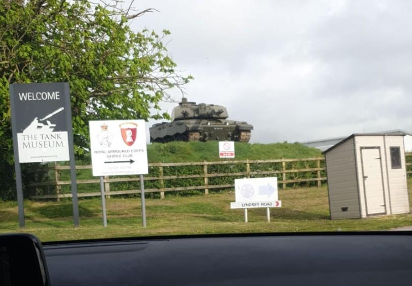 """Das Ziel kündigt sich an... """"The Tank Museum Bovington"""""""