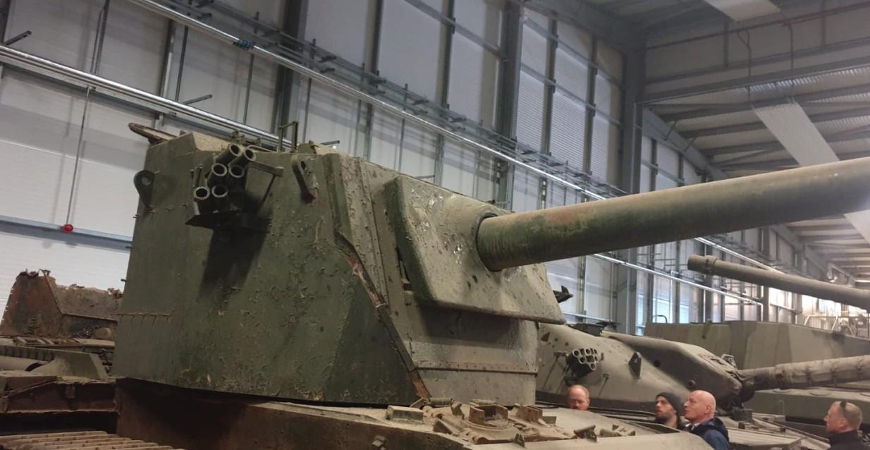 Der FV4004 Conway. Ein typisch britisches Fahrzeug: ein Panzerjäger auf Centurion Basis  im The Tank Museum Bovington am Tankfest 2019.