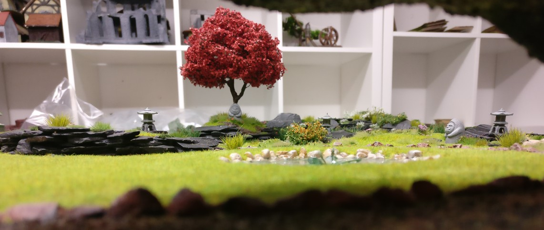 """Blick aus der Grotte auf der Bushido-Spielplatte """"japanischer Garten"""" der Ad Arma."""