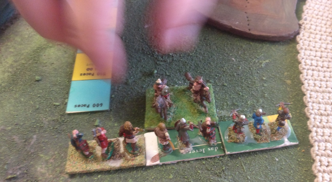Jetzt lässt XENA die Hufe klappern. Der verbliebene Reiter des Deutschen Ordens grefit die Schweden an.