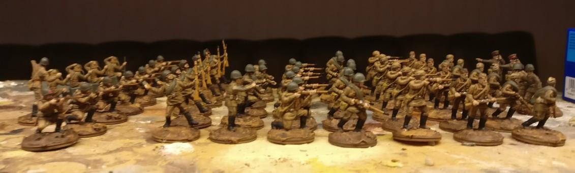 Die Figuren sind fertig. Jetzt kommt die Base dran. Hier wurde bereits die Lasur Lederbraun aufgetragen.