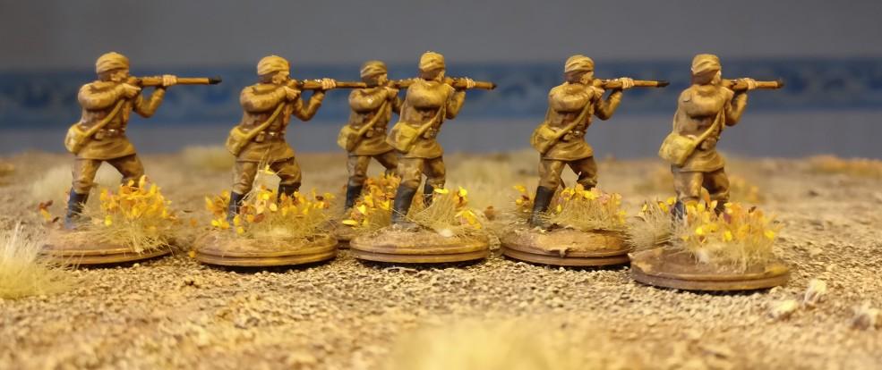 Die stehenden Schützen beim ersten Manöver.